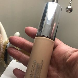 Becca ultimate coverage 24 hour foundation Bisque